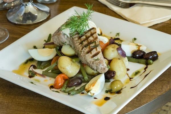 tuna steak dinner